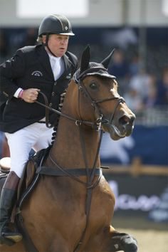 """Gold Medalist Nick Skelton and the Dutch-bred stallion """"Big Star"""" #1 in the FEI WBFSH World Rankings"""