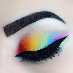 Eyeshadow We're huge fans of @jb.beautyblog's gorgeous rainbow eyeshadow - complete the look with a slick of black liquid liner and flawlessly groomed eyebrows.