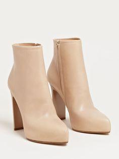 Maison Martin Margiela Defile Womens Wide Stiletto Trunk Boots