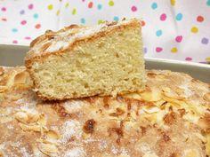 Bizcocho de requesón con almendras - Mis cosillas de Cocina Chocolate Caliente, Cornbread, Vanilla Cake, Bakery, Candy, Ethnic Recipes, Sweet, Desserts, Food