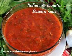 Deze heerlijke italiaanse tomaten kruidensaus is een perfecte basissaus voor vele gerechten. Smaakt heerlijk bij volkoren of speltpasta, als basissaus op je zelfgemaakt pizza, lasagnesaus etc. etc.