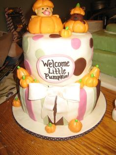 Baby Cake... I think this cake would be perfect once Buddy arrives!