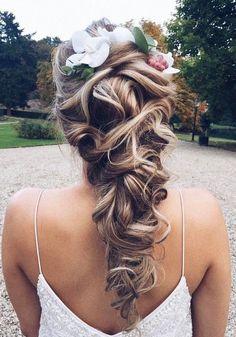 Ulyana-Aster-Wedding-Hairstyles-03272017-6.jpg (600×857)