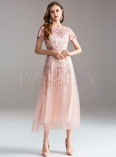 Elegant Embroidery O-Neck Short Sleeve Big Hem Maxi Dress – DressSure Lace Maxi, Floral Maxi Dress, Tulle Dress, Lace Dress, Mother Of Bride Outfits, Mother Of Groom Dresses, Mob Dresses, Fashion Dresses, Party Dresses