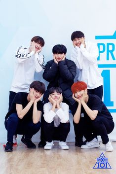 Behind Pictures of practicing Group X Battle - Han Seungwoo (Victon), Kim Yohan, Lee Jinhyuk (Wei), Cha Junho, Son Dongpyo & Lee Eunsang