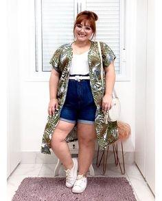 A bermuda está on nesse verão! Dicas de como usar, looks arrasadores Hipster Outfits, Curvy Outfits, Plus Size Outfits, Shorts Jeans Plus Size, Jean Shorts, Fat Fashion, Plus Size Fashion, Look Short Jeans, Plus Size Hipster