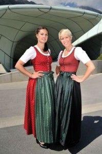 Tiroler Dirndl: Neben Niederösterreich hat lediglich Tirol ein offiziell gültiges Landesdirndl.