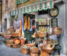 Vino Delle in Cinque Terre, Italy - Picture perfect shops like this ones exist everywhere in the cliff towns around Cinque Terre, Italy. Road Planner, Italy Pictures, Cinque Terre Italy, Regions Of Italy, Beautiful Places To Travel, Italy Travel, Amalfi Coast, Cliff, Countries