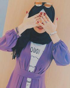 Pinterest/♡Madiha♡ Stylish Girls Photos, Stylish Girl Pic, Beautiful Girl Photo, Beautiful Hijab, Cute Girl Photo, Girl Photo Poses, Stylish Hijab, Hijab Fashionista, Islamic Girl