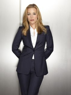 Annie Walker (Piper Perabo) in a Covert Affairs promo Business Outfits, Business Attire, Business Formal, Business Casual, Annie Walker, Fashion Tv, Fashion Design, Trending Fashion, Office Fashion