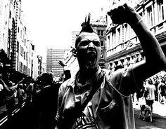 . Punk Mohawk, Afro Punk, Punk Guys, Urban Tribes, Crust Punk, Skin Head, Punks Not Dead, Riot Grrrl, Jolie Photo