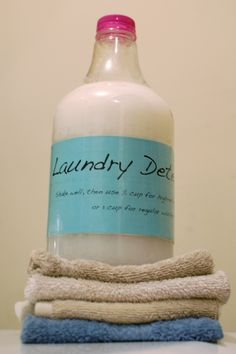 Homemade Laundry Detergent | Foodierachel 3/1 made 1st batch. Added Lavender and Eucalyptus. DH didn't like either oils.