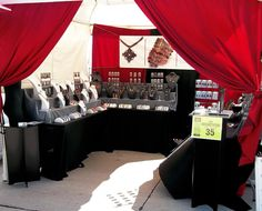 Tips to make your Arts & Crafts show booth setup look great – big or small. (Behind The Scenes At A Craft Fair) great organizing color grouping tips. Vendor Displays, Craft Booth Displays, Display Ideas, Booth Ideas, Display Pictures, Vendor Table, Vendor Booth, Craft Show Booths, Craft Show Ideas
