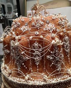 Italian Pastries, Glitter Wedding, Pound Cake, Cakes And More, Amazing Cakes, Gingerbread Cookies, Cake Recipes, Wedding Cakes, Holiday