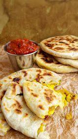 DOMA navařeno: Indické ALOO PARATHA s rajčatovým chutney Bump Ahead, Paratha Recipes, Chutney, Toast, Veggies, Ethnic Recipes, Food, Meals, Vegetable Recipes