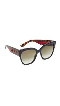 07c5df6c44 ¡Consigue este tipo de gafas de sol de Gucci ahora! Haz clic para ver