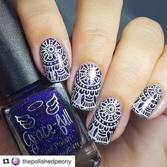 This somehow reminds me of the color tainted-mosaic church windows or of a beautiful chinaware made ages ago! Check these beautiful nails by @thepolishedpeony from Instagram! She used our Crystal Stamper 2.0 to achieve this look! ______________________________________________ #Repost @thepolishedpeony with @repostapp ・・・ My recreation of @dolls.and.nails mandala inspired mani for International Women's Day #maniswapcircle Products used: @gracefullnailpolish 'Paparazzi' nailpolish…