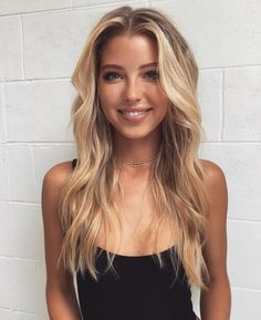Hair hair styles hair color hair cuts hair color ideas for brunettes hair color ideas Hair Day, New Hair, Tumbrl Girls, Balayage Hair, Balayage Highlights, Gorgeous Hair, Pretty Hairstyles, Middle Part Hairstyles, Long Blonde Hairstyles