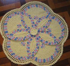 Tapete Segredo - Trab. das Amigas e Amigos - Aprendendo Croche