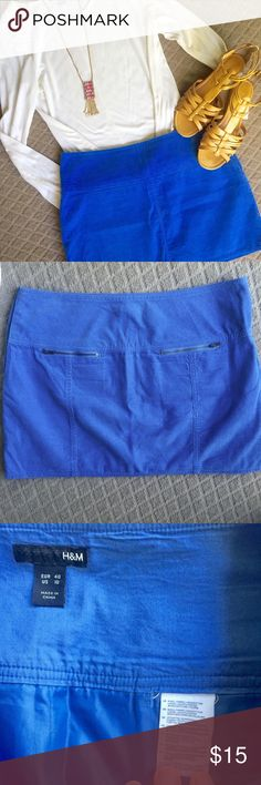 H&M Fabulous Blue Mini Vibrant blue thin corduroy texture. Zip pockets on back of skirt. %100 cotton with cotton lining. Hidden side zipper with button closure. Excellent condition. True to size. Shirt for sale in separate listing. Bundle and save! Offers welcome. H&M Skirts Mini
