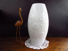 1000 images about white vases on pinterest op art porcelain vase and white porcelain