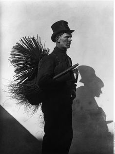 Friedrich Seidenstücker: a wonderful photo of a chimney sweep - a traditional figure of old BerlIn Nude Photography, Street Photography, Fine Art Photo, Photo Art, Victorian Prison, Black White Photos, Black And White, Michael Banks, Berlin