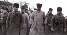 Selam dur !  Soldan sağa, Muzaffer Paşa, Mustafa Kemal Paşa, Kazım Karabekir, Mareşal Fevzi Çakmak, Nurettin Paşa...  Tavşancıl,Ocak 1923
