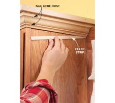 the easy way to attach crown molding to wall cabinets that don t rh pinterest com how to install crown moulding on kitchen cabinets how to install base molding on kitchen cabinets