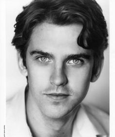 Dan Stevens, Downtown Abbey...OBSESSED with that show!