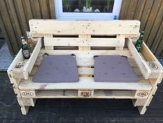 For this post Banc d'extérieur avec table you browse. Banc d'extérieur avec table If you like our article by writing comments and sharing it on social media, we would be happy if you support us. Outdoor bench with table pallet cabinet Pallet Furniture Bench, Outdoor Furniture Plans, Pallet Sofa, Furniture Projects, Diy Furniture, Coaster Furniture, Furniture Chairs, Furniture Design, Repurposed Furniture
