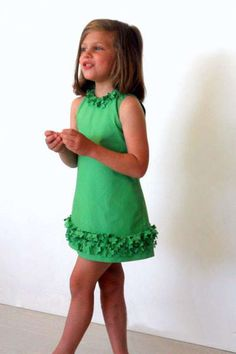 Cute green dress for a litle girl ♦F&I♦ Little Dresses, Little Girl Dresses, Girls Dresses, Sewing For Kids, Baby Sewing, Toddler Dress, Baby Dress, Little Girl Fashion, Kids Fashion