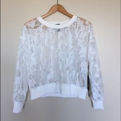 White top One size fits S-M. Worn once Style Mafia Tops