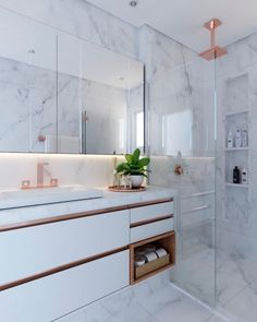Bathroom decor for your bathroom remodel. Discover master bathroom organization, bathroom decor suggestions, master bathroom tile suggestions, master bathroom paint colors, and more. Diy Bathroom, Top Bathroom Design, Interior, Vanity, Bathroom Interior, Room Decor, Luxury Bathroom, Bathrooms Remodel, Bathroom Decor