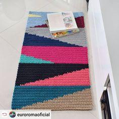 Best 12 Repost – Page 423760646188062884 Crochet Carpet, Knit Crochet, Crochet Table Mat, Crochet Rug Patterns, Modern Crochet, Tapestry Crochet, Crochet Squares, Needlework, Rugs