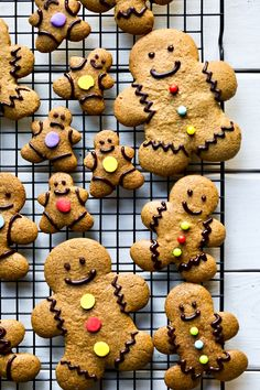 Easy Vegan, Gluten-free and Oil-free Gingerbread Men Cut-Out Cookies! Made with wholesome ingredients like almond butter, oat flour, molasses, maple syrup and all the holiday spices. Made with just 8 ingredients and 1 bowl! via @thevegan8
