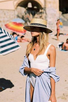 Shop stylish women's swimwear at FABKINI & find tankinis, bikinis, one-piece swimsuits, monokinis & more. Style Outfits, Cool Outfits, Summer Outfits, Beach Outfits, Outfits 2016, Summer Dresses, Looks Street Style, Looks Style, Fashion Week