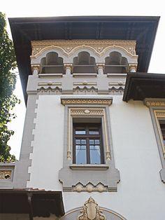Imagini pentru case neoromanesti Houses, Exterior, Traditional, Mansions, House Styles, Home Decor, Homes, Decoration Home, Manor Houses