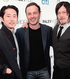 ☆Steven Yeun Appreciation Week☆ Day 6 Favorite Friendship → Steven Yeun and Andrew Lincoln + Norman Reedus Amc Twd, Steven Yeun, Group Pictures, Fear The Walking Dead, Andrew Lincoln, Rick Grimes, Norman Reedus, Gorgeous Men, The Man