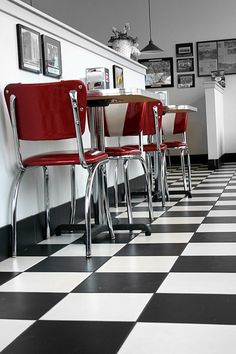 I want checkered flooring in my kitchen, maybe after I re-do the layout... I already have the white and red theme =o)