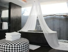 a tub at one of my winter beach houses a la Hotel Uma Ubud, Bali via @trendland