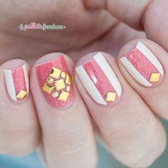 Instagram photo by @ la_paillette_frondeuse  #nail #nails #nailart