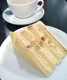 Macadamia White Chocolate Cake oh god this cake is introuble i love white choco