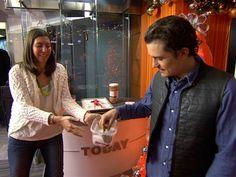TODAY producer's cookie makes Orlando Bloom swoon