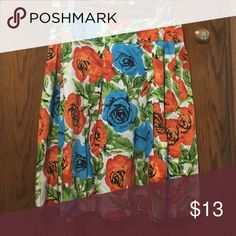Ann Taylor petite size 10P floral skirt Worn maybe twice! I'm 5'3 and it comes to just about my knees- the perfect length for work! Ann Taylor Skirts