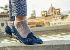 Spring outfit-Easter in Tuscany-Florence blue moccasins Pat Calvin and dots socks Hunter Outfit, Body Training, Hunters, Fashion Details, Tuscany, Put On, Moccasins, Florence, Glow