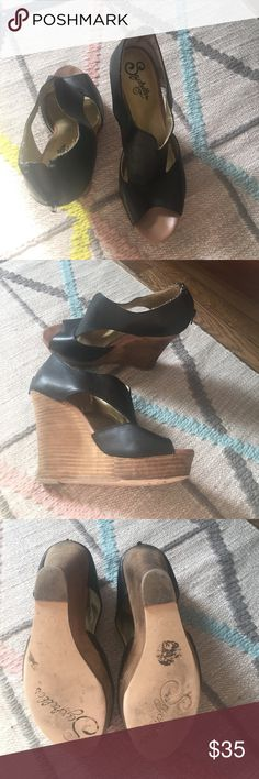 """Seychelles platform sandals 4"""" heels! Wow, I feel like such a bad ass in these. Shockingly comfortable despite their 4"""" height. In good used condition- some scuffs on heels and one small blemish in leather on back of right heel - see last photo. Seychelles Shoes Platforms"""