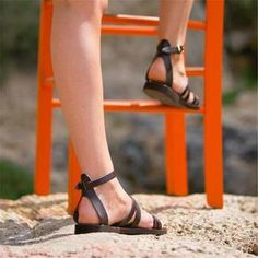 [£ Women's PU Flat Heel Sandals Flats Peep Toe With Buckle shoes - VeryVoga Toe Ring Sandals, Lace Up Sandals, Brown Sandals, Open Toe Sandals, Flat Sandals, Strap Sandals, Leather Sandals, Flats, Beach Sandals