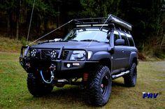 mat blak patrol Jeep Truck, 4x4 Trucks, Custom Trucks, Best 4x4 Cars, Nissan Patrol Y61, Patrol Gr, Nissan 4x4, Nissan Infiniti, Mitsubishi Pajero