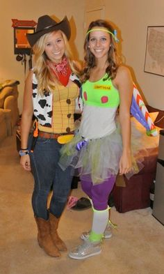 Toy Story's Buzz and Woody go to college! Buzz and Woody halloween costume DIY