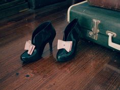 The best in fashion news Walk In My Shoes, Tap Shoes, Me Too Shoes, Shoes Sandals, Dance Shoes, Vintage Shoes, Vintage Outfits, Vivienne Westwood Shoes, High Class Fashion